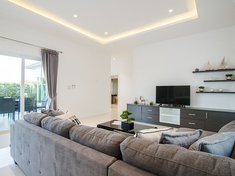 Bright Spacious Living Room